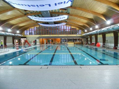 Neukirchen Vluyn Schwimmbad öffentliche kirchen